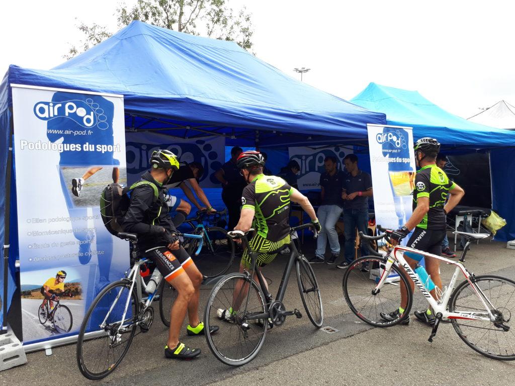 Nombreux cyclistes présents sur le stand